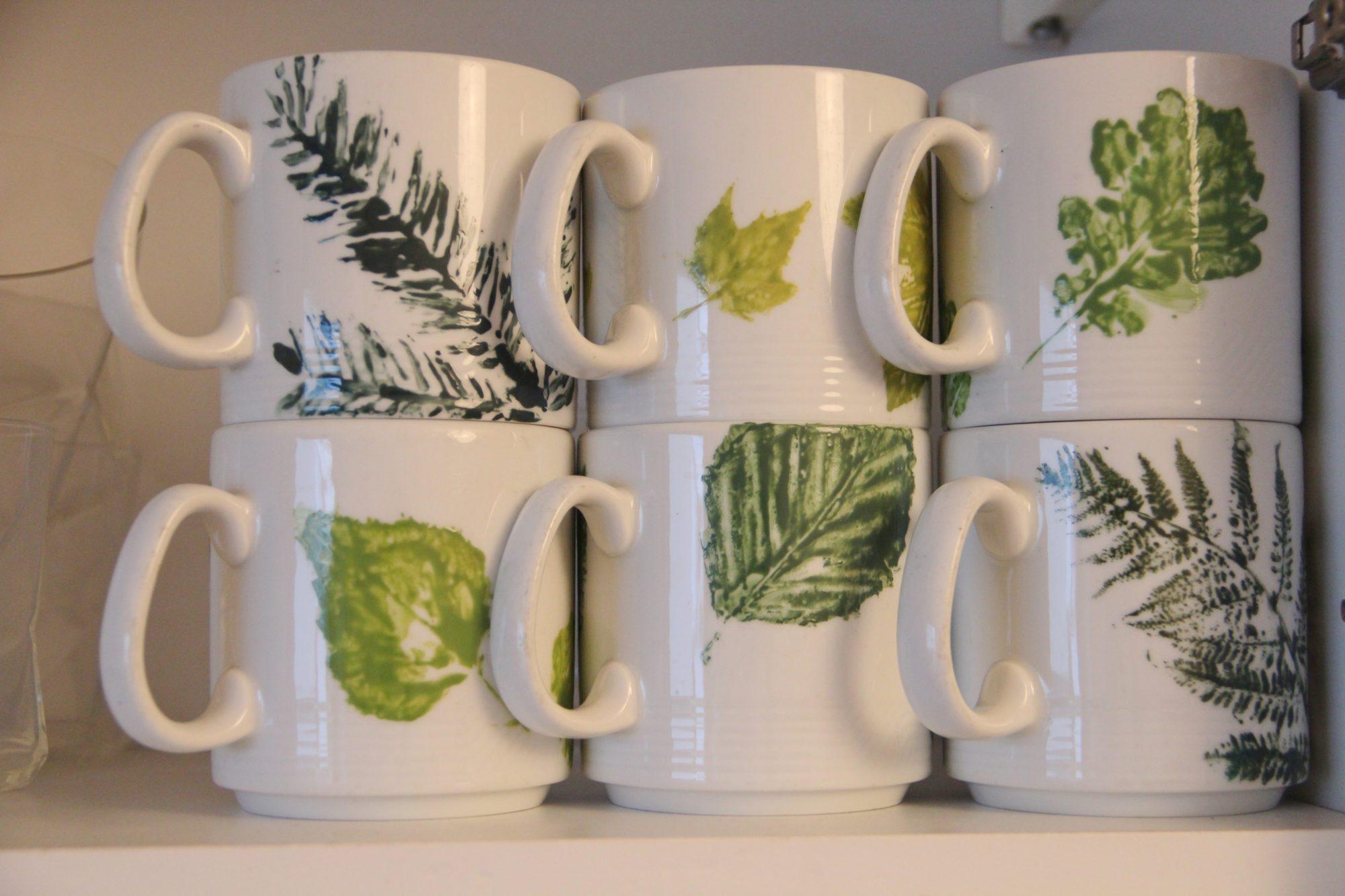DIY Tassen mit Herbstblätter bedrucken