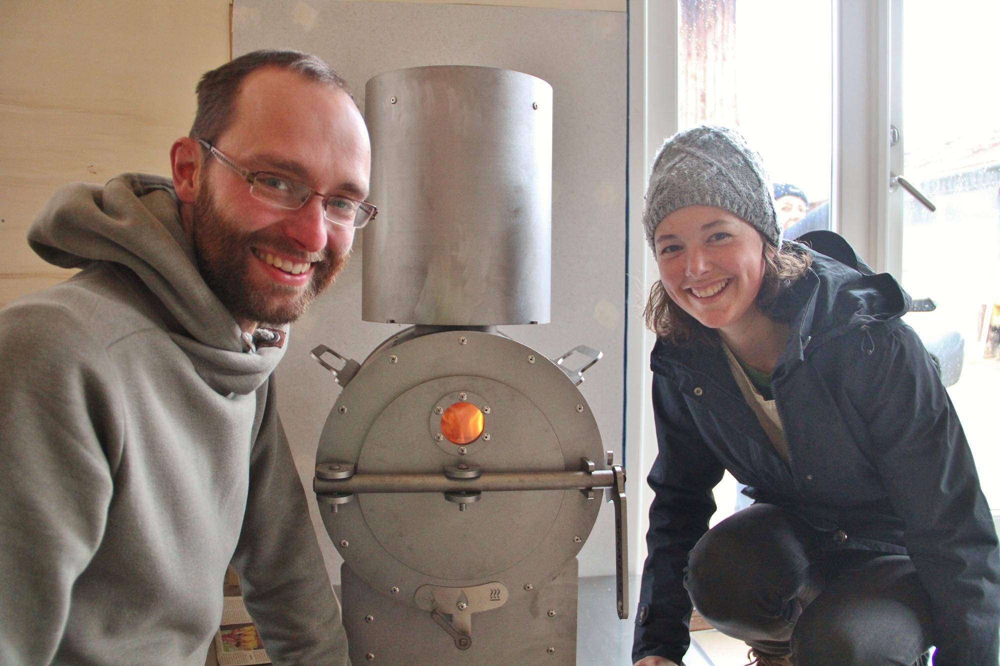 Schornstein und Tinytube einbauen und einweihen
